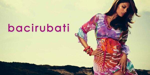 Dámské plážové šaty, trička a tašky Bacirubati oslní barevnou hravostí a originalitou