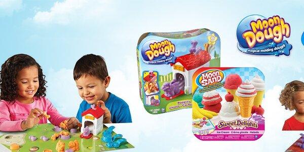 Nechte děti vymodelovat si svůj svět s Moon Dough a Moon Sand