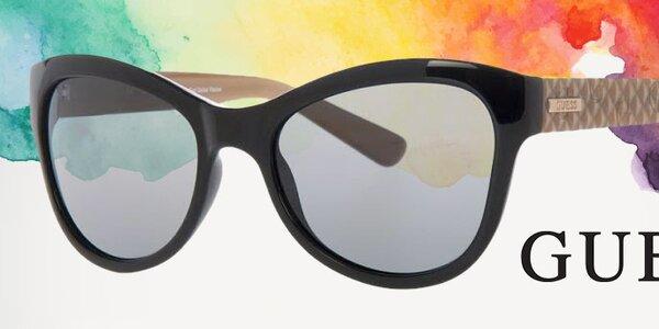 Přivítejte jaro se slunečními brýlemi Guess