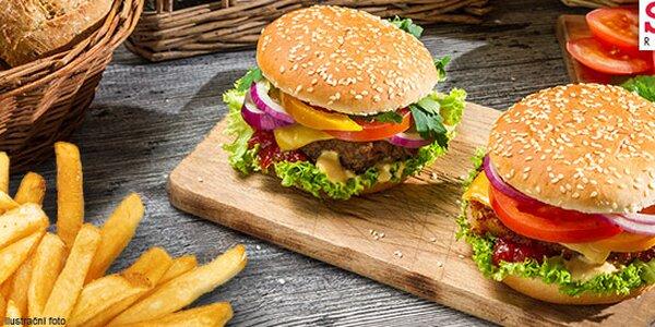 Dva parádní burgery z roštěné a kupa hranolek