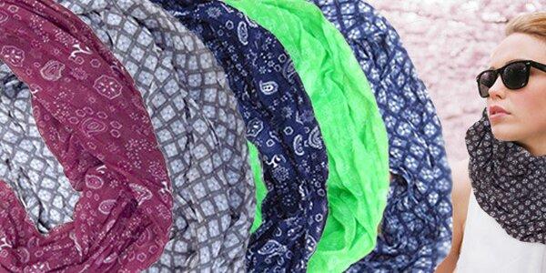 Tunelové šály ze syntetického hedvábí a bavlny