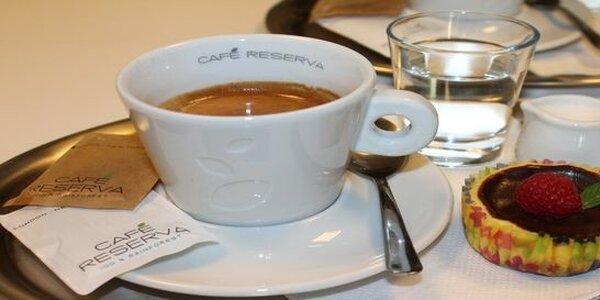 Bio káva a domácí cheesecake pro 2 v kavárně G&G
