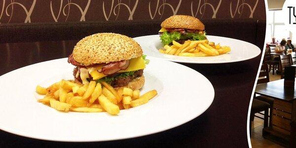 2x hovězí burger, hranolky a barbecue omáčka