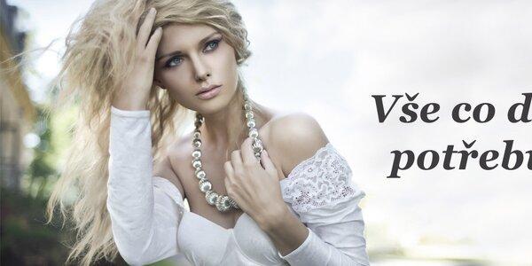 Šaty a šperky, co vás dostanou