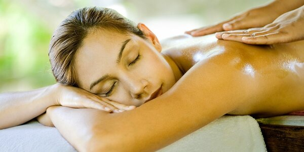 45 minut energetické masáže hlavy a zad