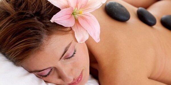 Relaxační masáž celého těla horkými indickými oleji