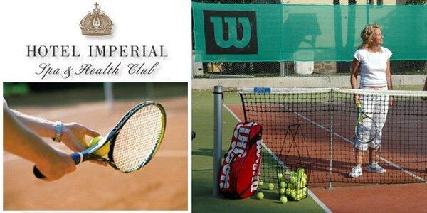 999 Kč za permanentku na 10 hodin tenisu v Karlových Varech