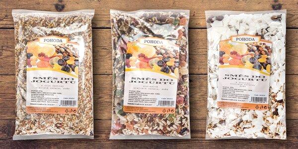 Zdravé snídaňové směsi semen a ovoce