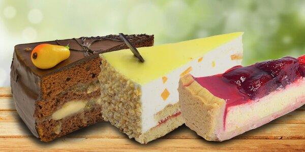 Úžasný ručně vyráběný dort z cukrárny Warewa