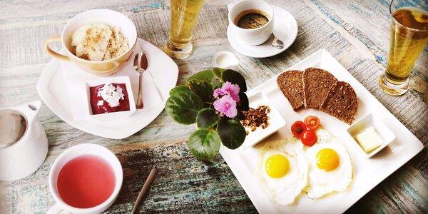 Cokoliv ze snídaňového menu + espresso nebo čaj