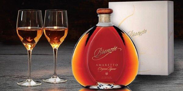Tradiční italský likér Amaretto Bronzée Original