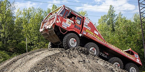 30 minut jízdy v Tatře 813 8x8 Truck Trial