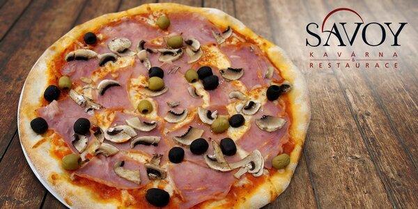 Dvě chutné pizzy ve vyhlášené restauraci Savoy