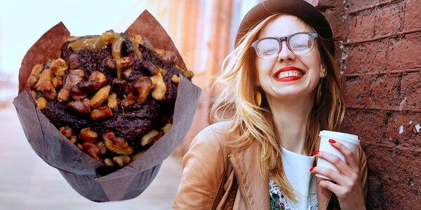 Káva a muffin z populárního Yobaru