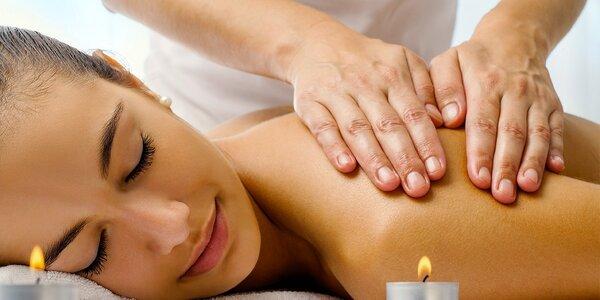 Thajská olejová masáž včetně tepelného zábalu