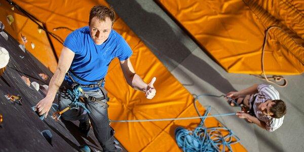 Kurzy lezení na horolezecké stěně