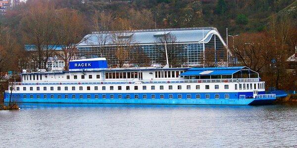 Podzimní romantika na Vltavě v botelu Racek
