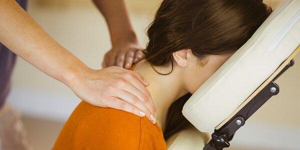 Thajská masáž vsedě