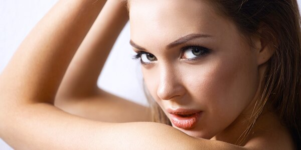 60minutová liftingová masáž obličeje