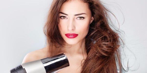 Dámský střih pro všechny délky vlasů v Salónu Marilyn