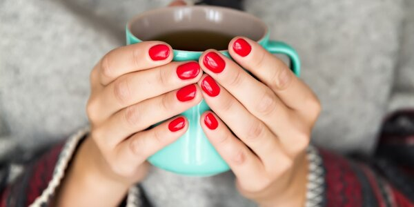 Gel-lak manikúra pro krásné nehty