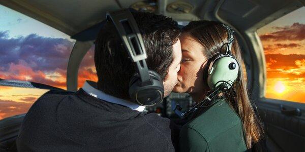 Romantický let při západu slunce pro dvě osoby