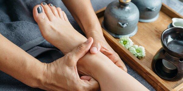 Relaxační masáž chodidel s bylinkovou lázní