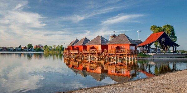 Exotika v Senci: Pobyt v bungalovu nad vodou