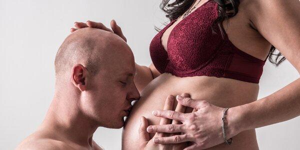 Profesionální těhotenské focení v ateliéru