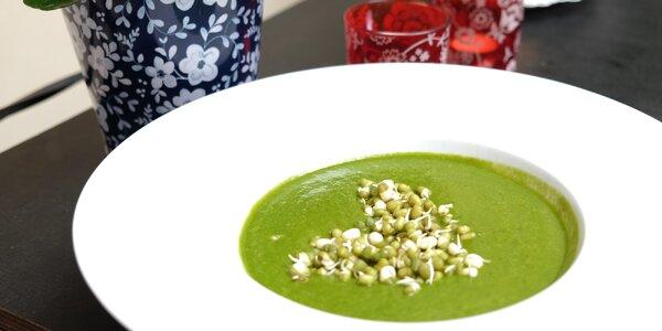 Raw nebo vegan menu: Polévka, dort a horký nápoj
