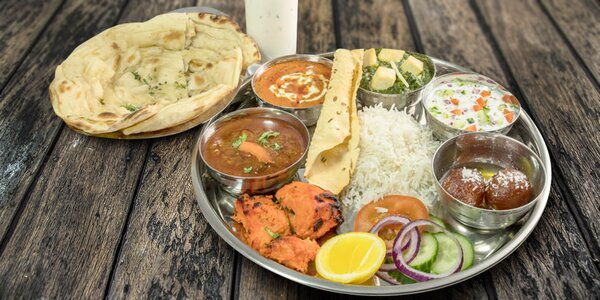 Indická hostina: masové speciality, sýr i dezert