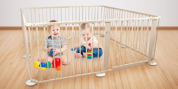 Dětská dřevěná ohrádka s brankou