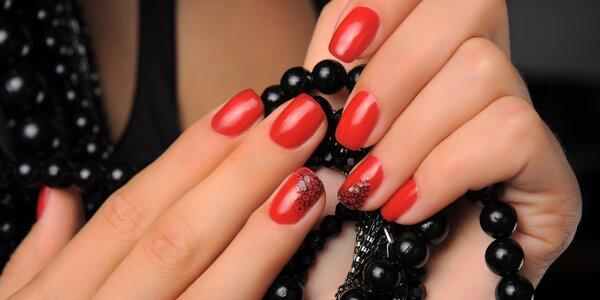 Gelové nehty, zdobení pigmentem a masáž rukou