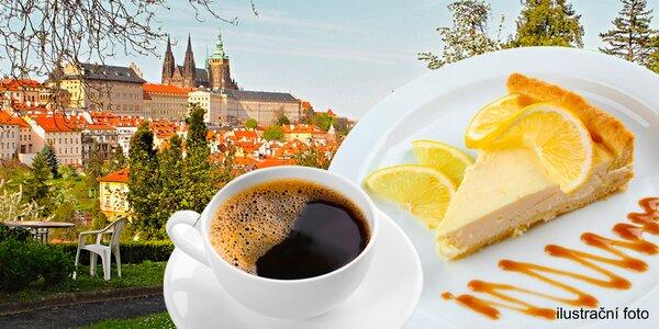 Tvarohové dorty a nápoje v Garden café Taussig