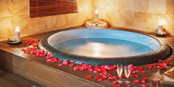 Romantický odpočinek v privátní vířivce pro dva
