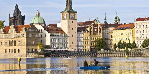 Hodina na Vltavě: půjčení loďky až pro 4 osoby