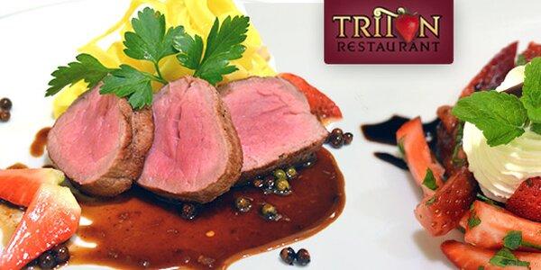 Jahody napříč 4chodovým menu Triton Restaurantu