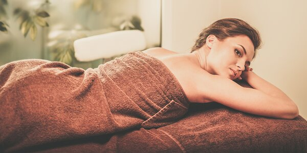 60minutová masáž zad a šíje s baňkováním