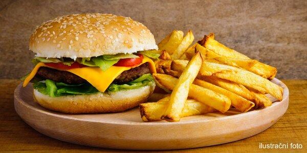 Burger s hovězím a čedarem a porce hranolků