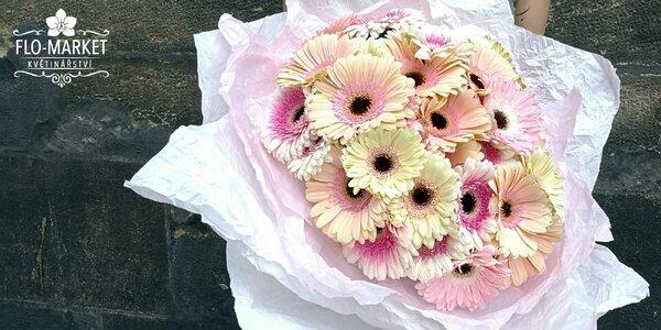 Řekněte to květinou: pastelově barevné gerbery