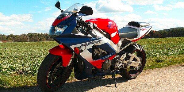 Svižná Honda CBR jen pro vás: Zapůjčení na celý den
