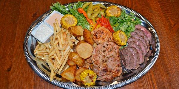 Mix grilovaného masa, omáčky a příloha pro 2