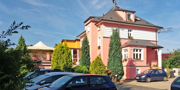 Zážitky ve Varech pro 2: Výlety, sauna i víno