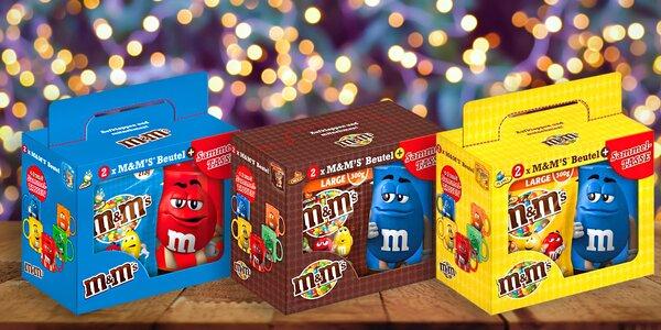 Dvě balení M&M's bonbónů a veselý hrnek k tomu