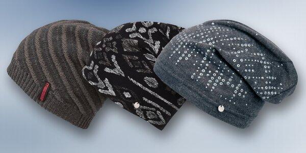 Moderní rasta čepice od italských módních značek