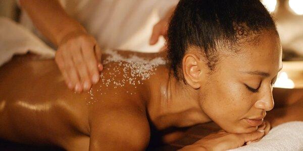 Vyzkoušejte účinky soli díky olejosolné masáži
