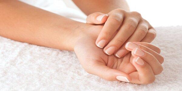 IBX ošetření na nehty s manikúrou