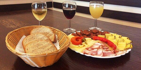Vinný večírek: sýry, klobásy a víno dle výběru