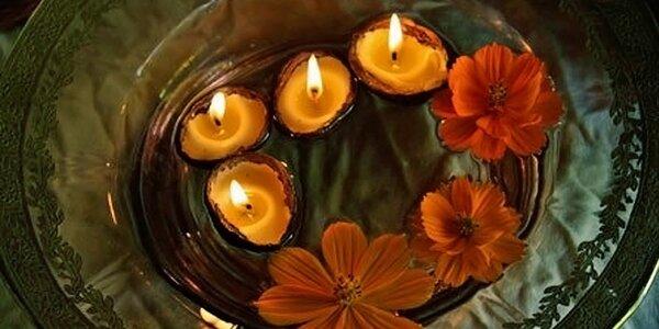 Plovoucí svíčky ze včelího vosku ve skořápce
