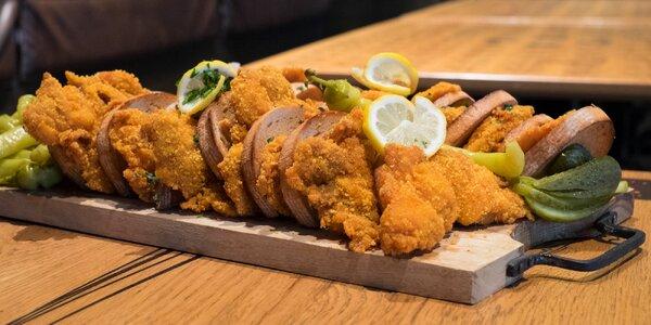 Kopa kuřecích a vepřových řízků pro hladovce